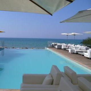 The pool Lounge SINDBAD
